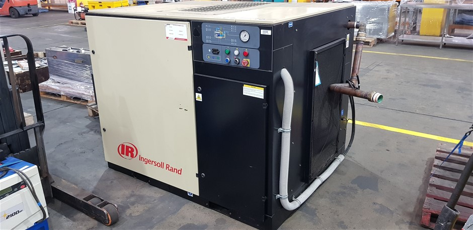 2008 Ingersoll Rand MH37-PE Screw Air Compressor