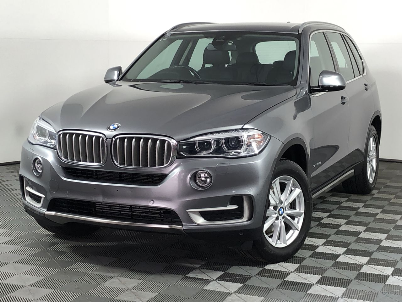2015 BMW X5 sDrive 25d F15 Turbo Diesel Automatic - 8 Speed 7 Seats Wagon