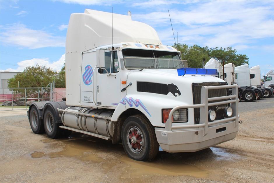 1995 International S3600 6 x 4 Prime Mover Truck