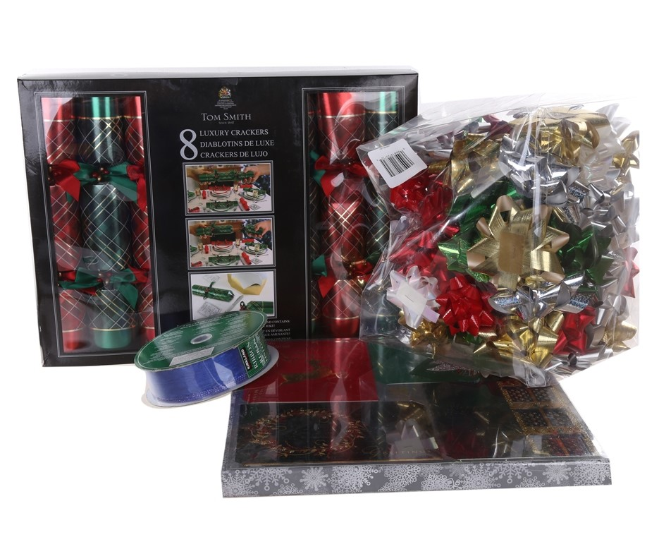 SIGNATURE Christmas Wrap (4 Rolls x 180 sq ft), SIGNATURE 160 x Printed Gif