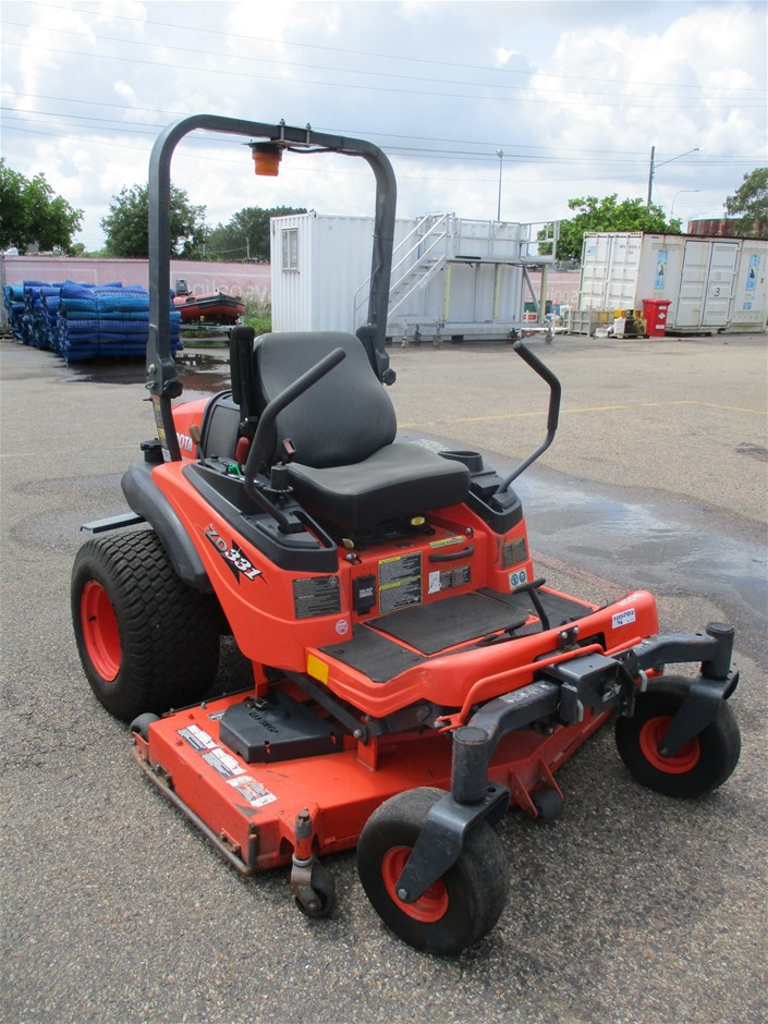 Kubota ZD331 Zero Turn Ride on Mower