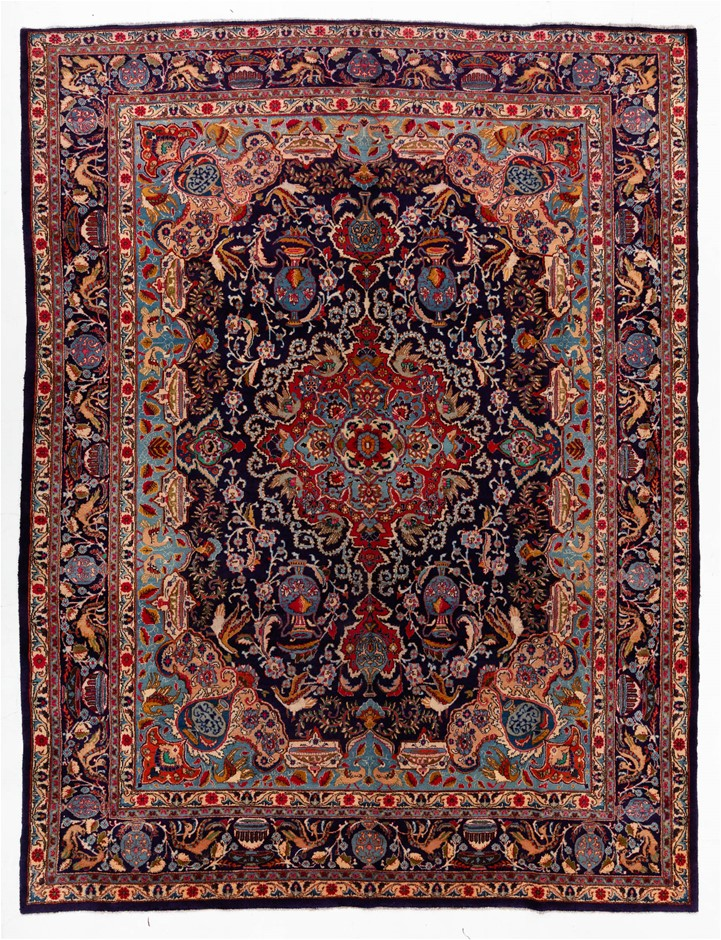 Persian Kasmar Hand Knotted Wool and Silk Pile SIZE (cm): 302 X 393