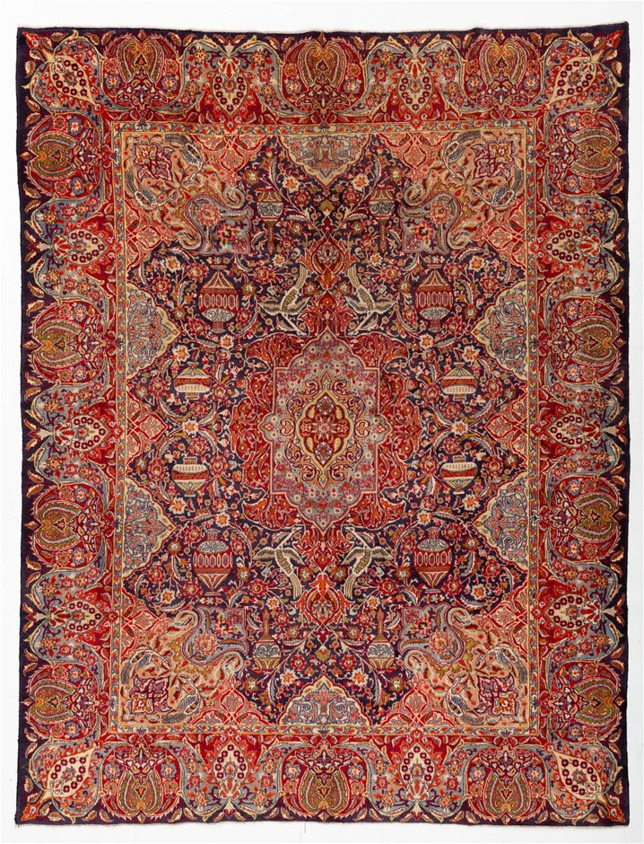Persian Kasmar Hand Knotted Wool and Silk Pile SIZE (cm): 295 X 385