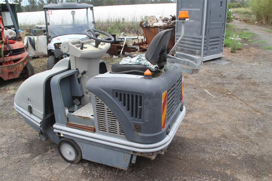 Comoc CS Industrial Floor Sweeper
