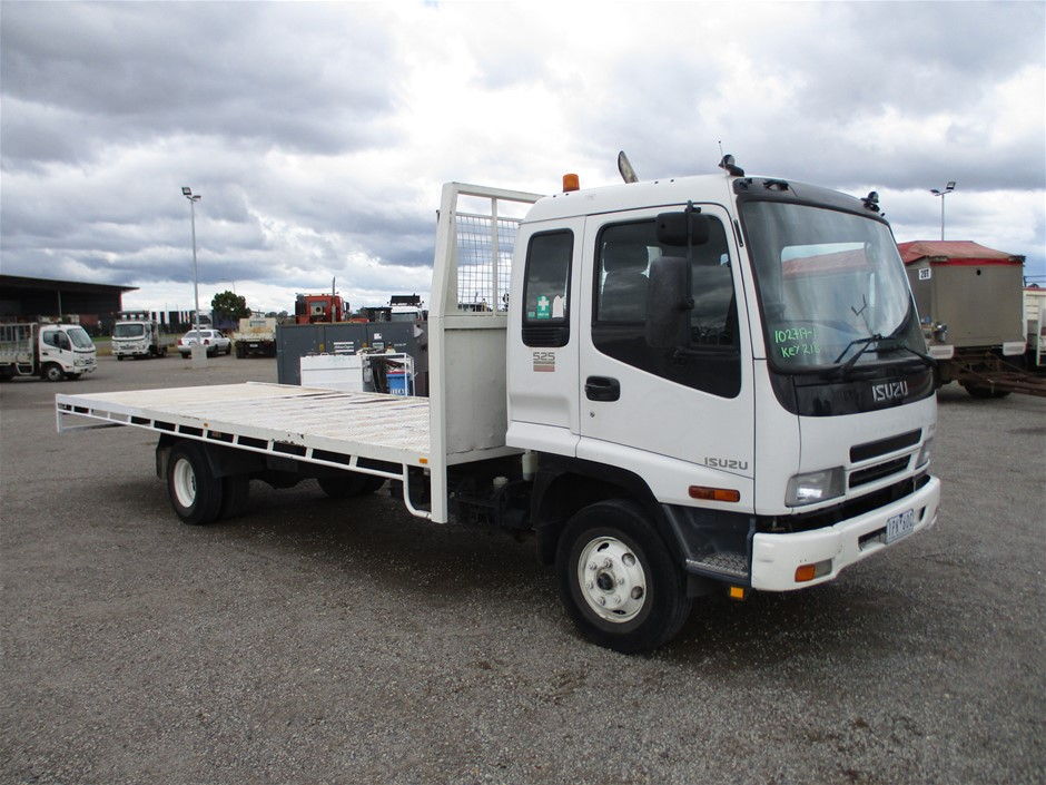 2007 Isuzu FRR 525 Long 4 x 2 Tray Body Truck