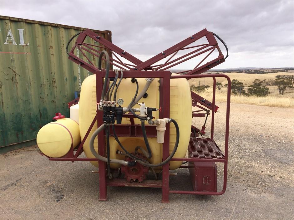Hardi Tractor Spray Unit (Bibaringa, SA)
