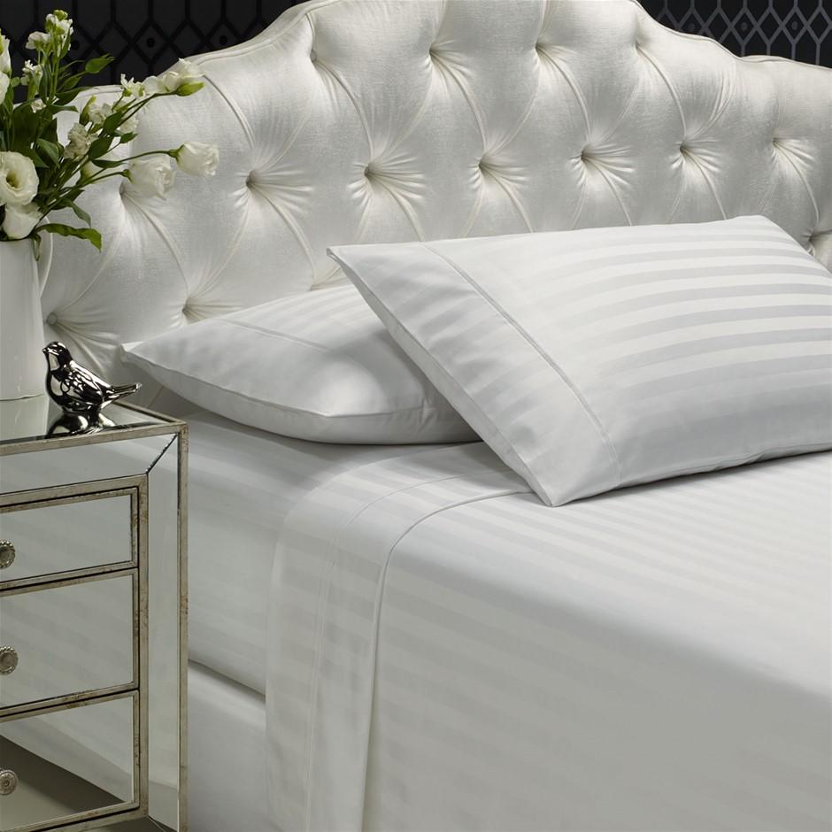 Royal Comfort 1200 Thread Damask Stripe Cotton Blend Quilt Sets Queen White