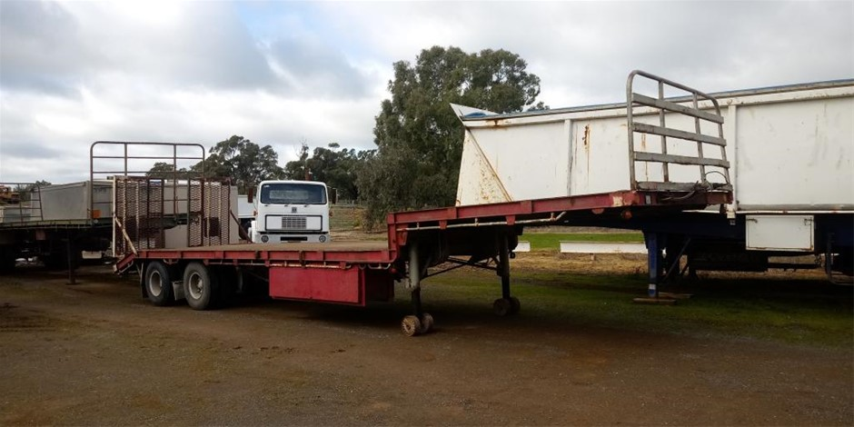 1988 Freighter ST2 Drop Deck Trailer with Ramps