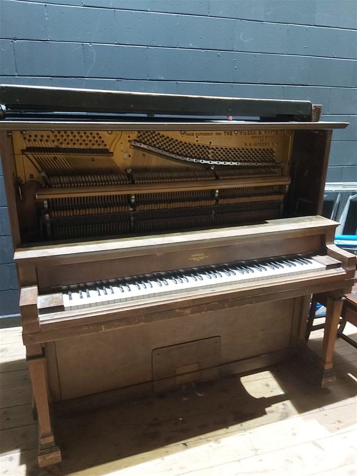 Wilcox & White Co Angelius Upright Piano