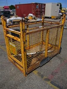3 Man Cage