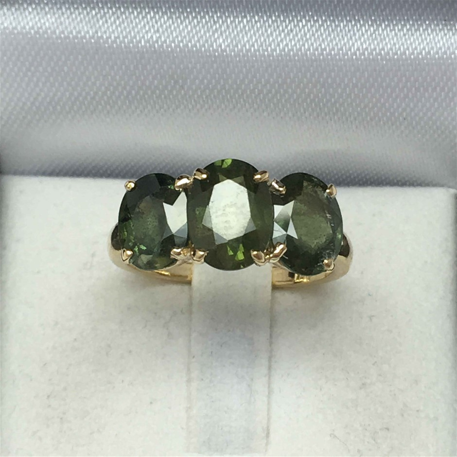 18ct Yellow Gold, 5.73ct Green Sapphire Ring