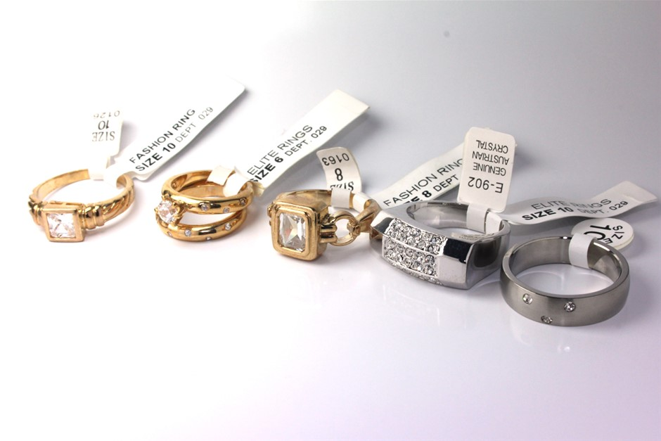 Ladies set of 5 assorted fashion rings