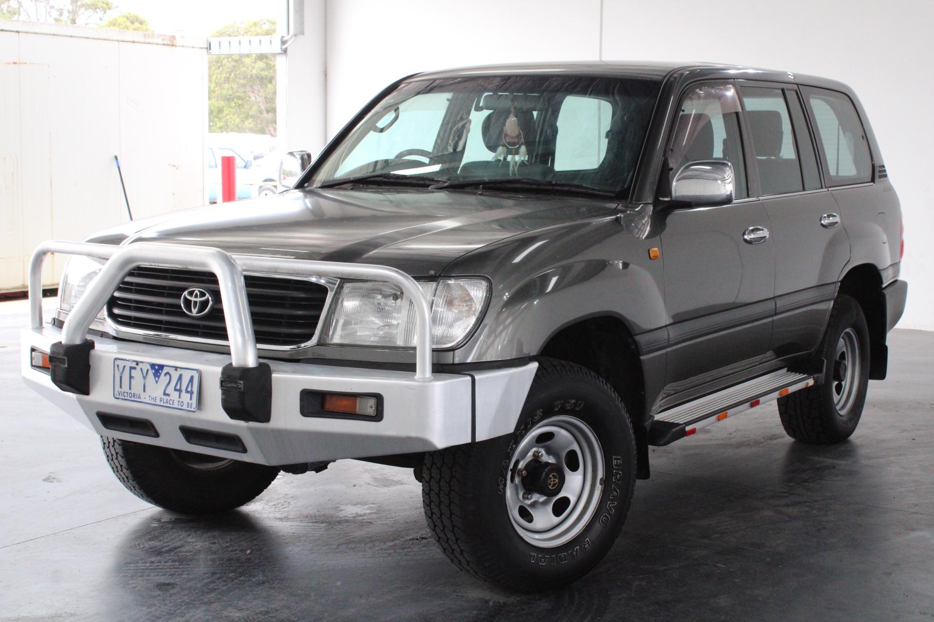 2000 Toyota Landcruiser GXL (4x4) FZJ105R Manual 7 Seats Wagon