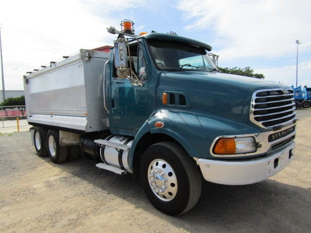 2006 Sterling LT9500 6 x 4 Automatic Detroit Tipper Truck