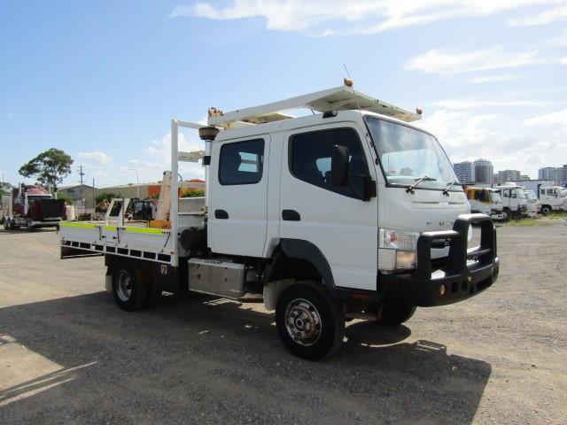 2012 Mitsubishi Fuso 4x4 Dual Cab Tray Crane Truck 87,793km
