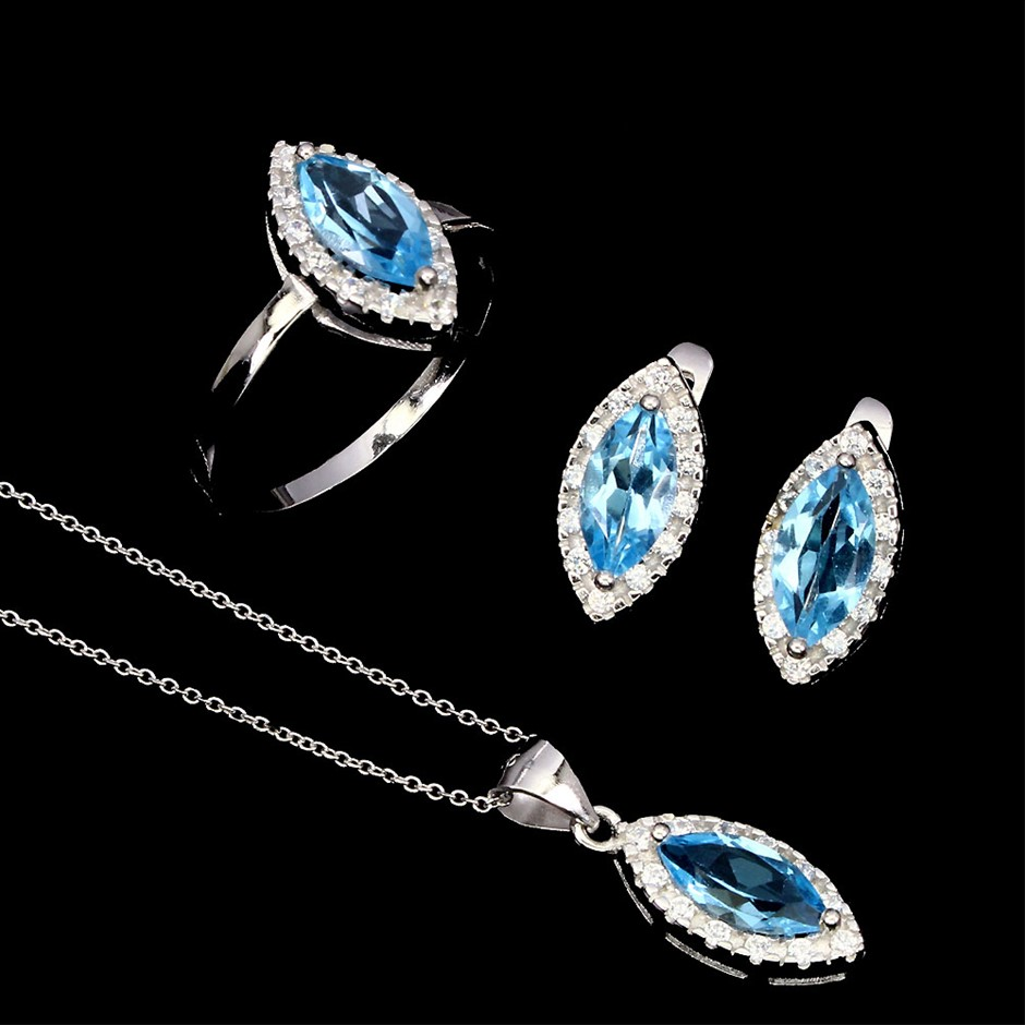 Gorgeous Genuine Swiss Blue Topaz Ring Earrings & Necklace Set