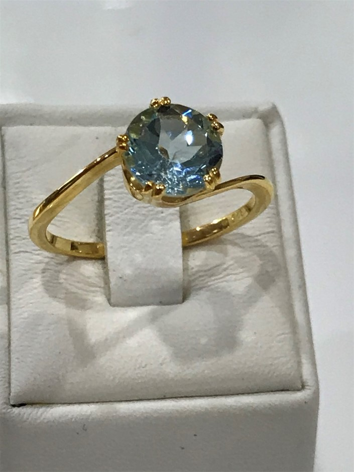 Brilliant 2.00ct Blue topaz & 18K Gold Vermeil Ring. Size R 1/2 (9)