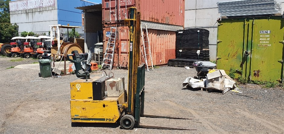 Big Joe Electric Walk Behind Forklift Truck