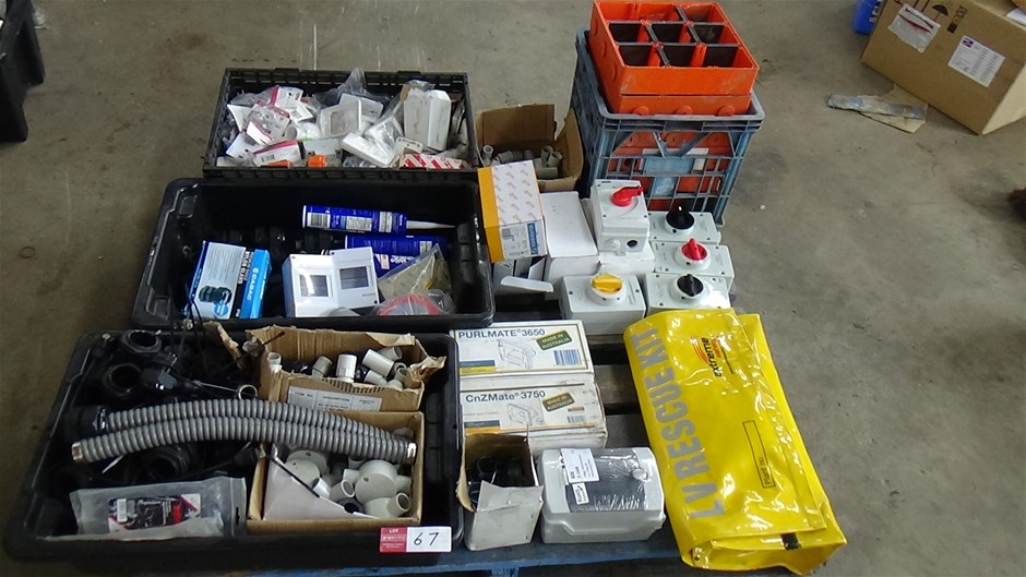 Qty of Assorted Electrical items