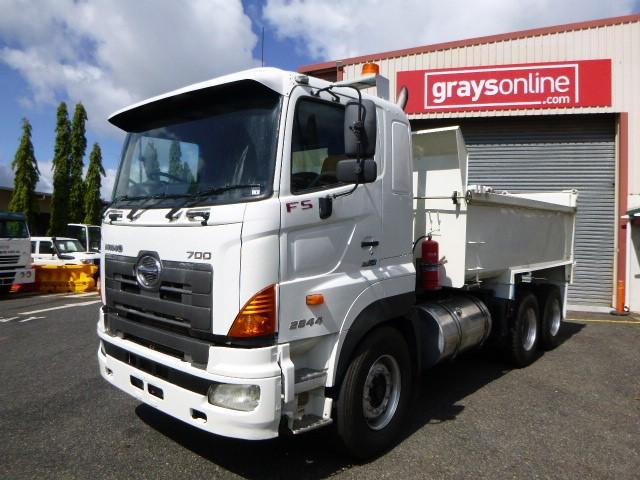 2010 Hino FS1E2844 6 x 4 Tipper Truck