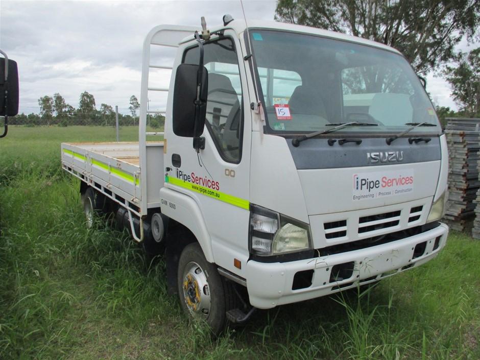 2006 Isuzu NPS 300 Tray Body Truck
