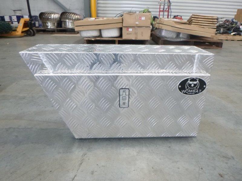 Wombat WAGL Aluminium Checkered Plate Toolbox (Bid Price Per Toolbox)