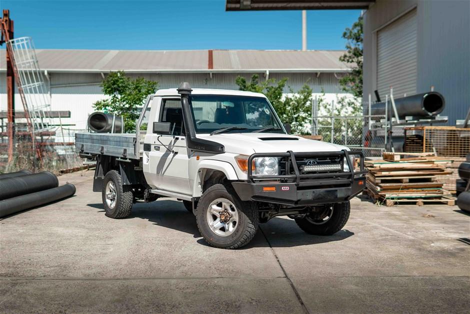 2014 Toyota Landcruiser (4x4) VDJ79R T/D Manual