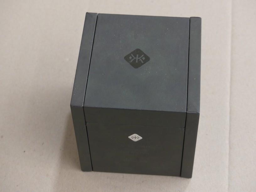Qty 1 x Kristals Cosmetics Diamond 133 g Anti-gravity Magnetic Mask