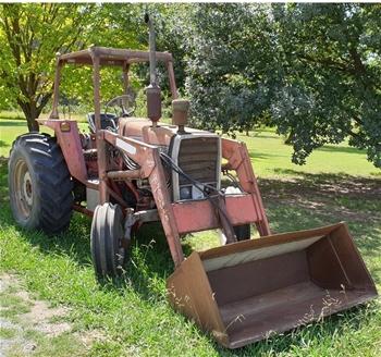 Massey Ferguson 575 Tractor