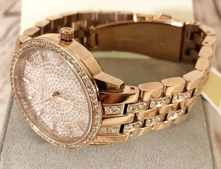 Ladies new Michael Kors gold plated Couture stunning watch