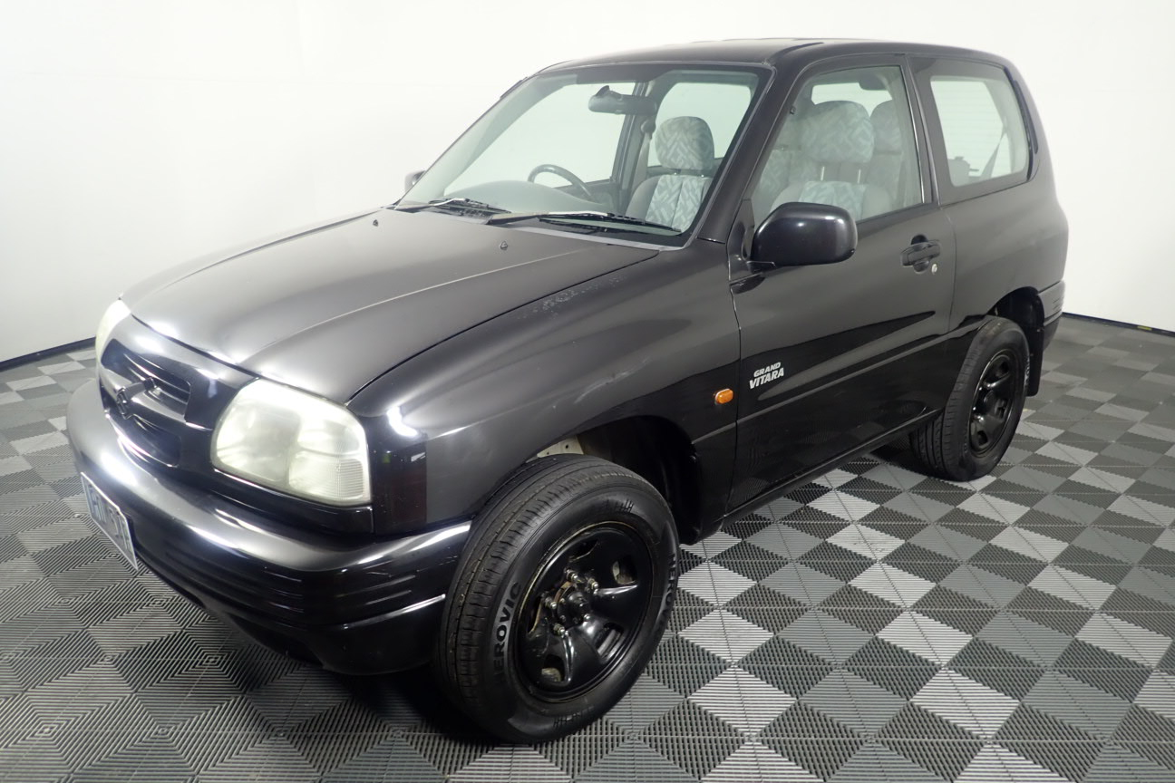 2000 Suzuki Grand Vitara (4x4) Manual Wagon