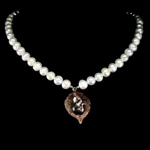 Striking Genuine Pearl Necklace.