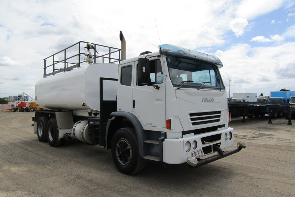 2008 Iveco Acco 6 x 4 Water Truck, 189,415km
