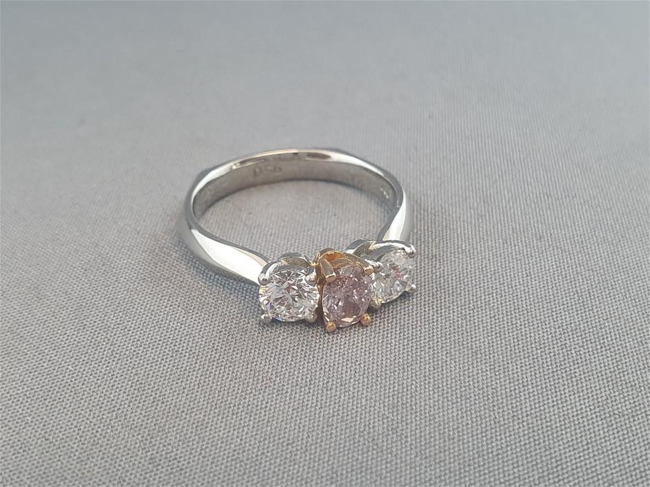 Stamped 18ct Yellow Gold and Platinum 3 Diamond Ring