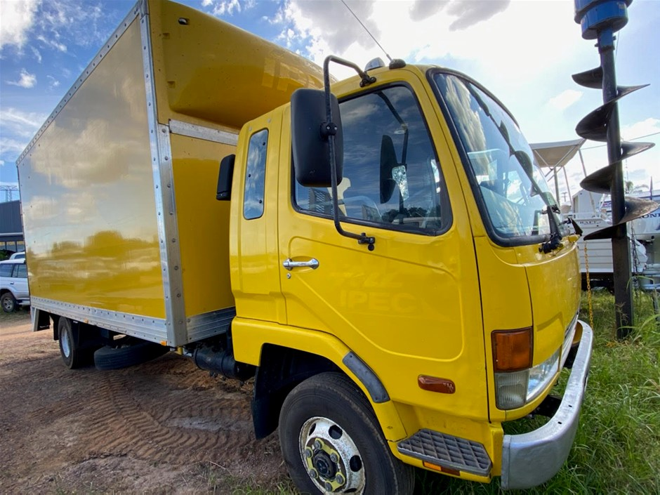 2007 Mitsubishi Fighter FK600 Pantech 6 Cyl Turbo Diesel Truck