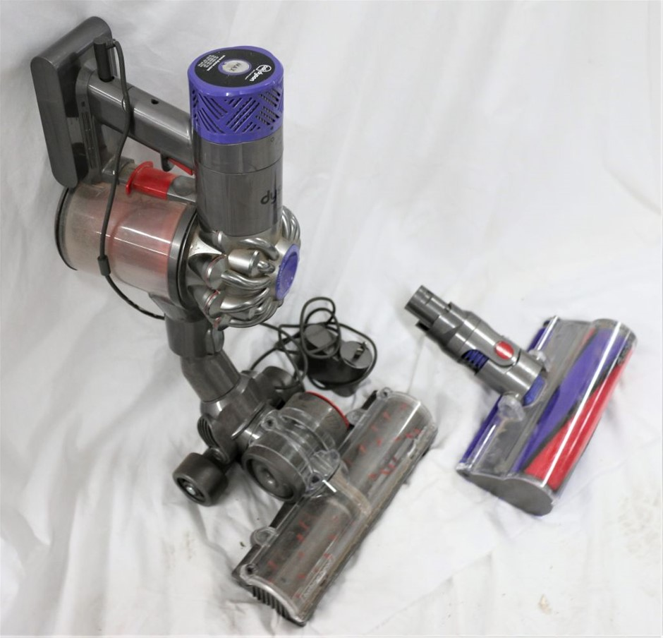 1 x Dyson V6 Absolute Cordless Vacuum Cleaner