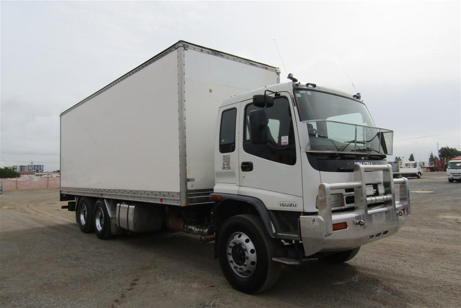 2004 Isuzu FVR900T Turbo Diesel Pantech Truck