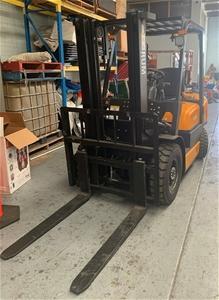 RUM FG25L Counterbalance Forklift
