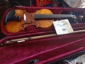 Unreserved Overdue Storage: Musical Instruments, Homewares