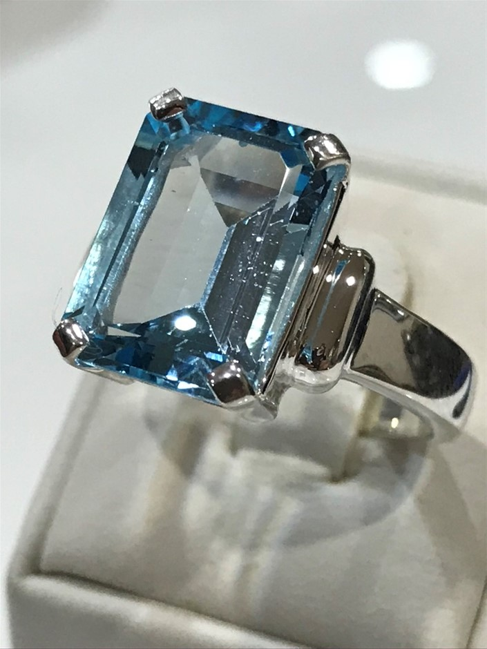 Magnificent 9.50ct Genuine Blue Topaz Ring Size R 1/2 (9)