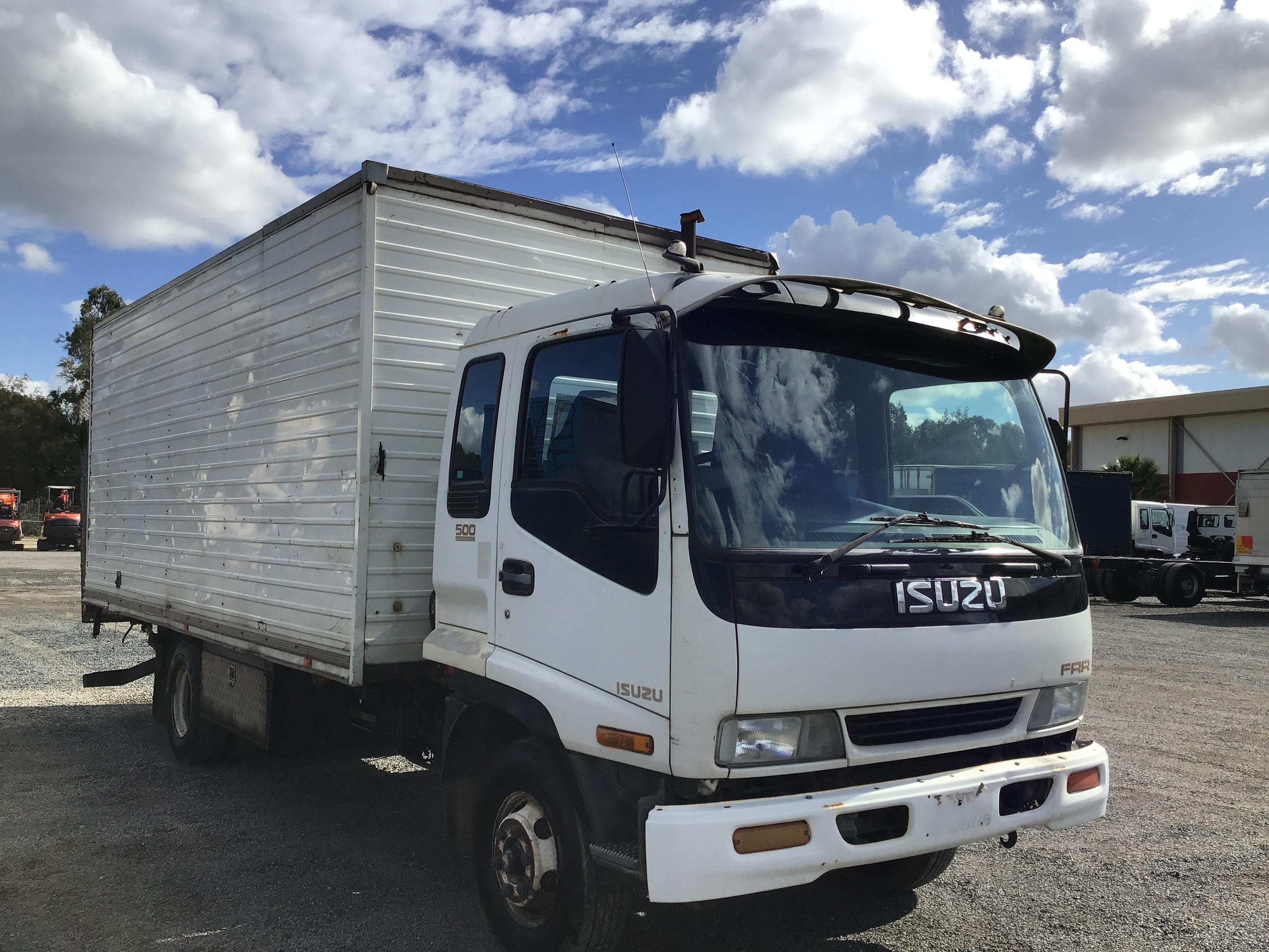 1996 Isuzu FRR 500 4 x 2 Pantech Truck