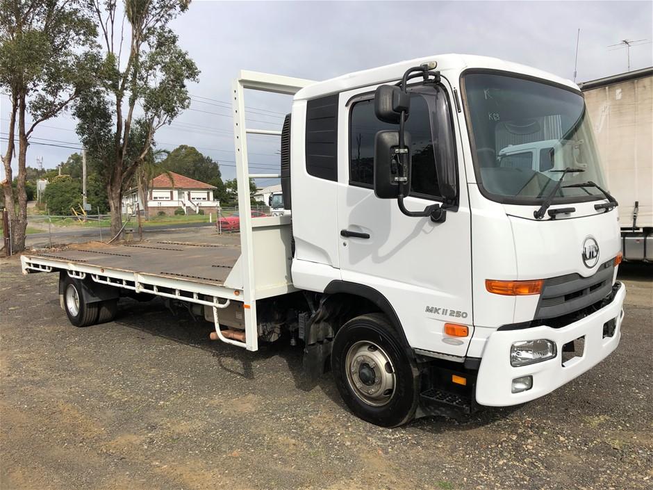 2014 U.D. MF1128 4 x 2 Tray Body Truck