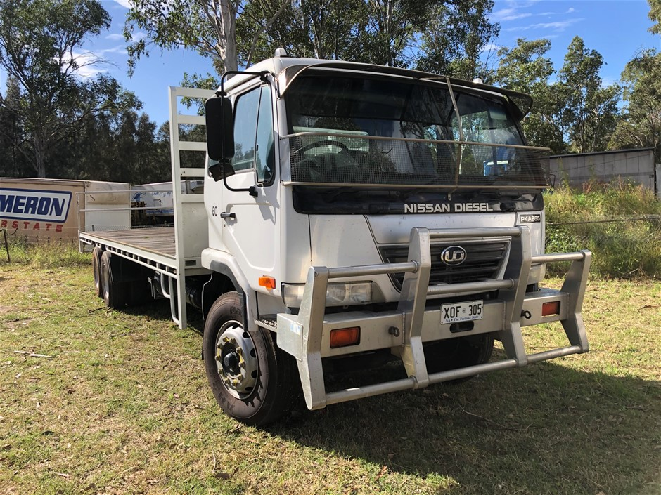 2007 Nissan PKC215 6 x 2 Tray Body Truck