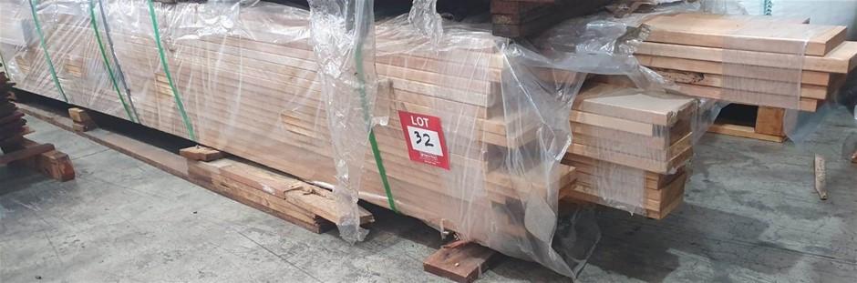 90x19 Aust Hardwood Decking. Random Length. Approx 800 Lm