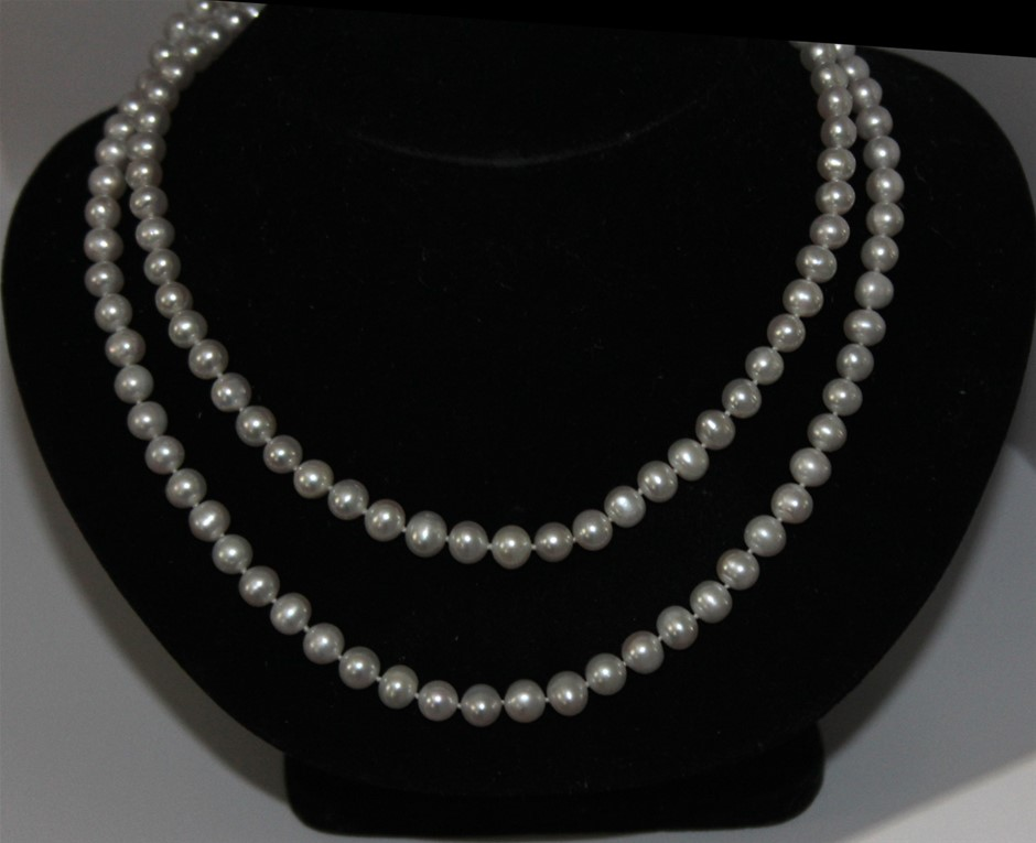 One Continuous Strand Pearl Necklace 90cm 14kt clasp
