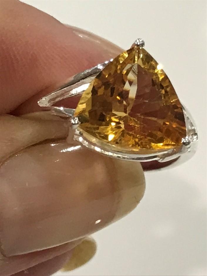 Stunning Huge 10.00ct Citrine Ring. Size R 1/2 (9)