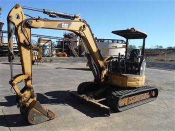 CAT 3050 Hydraulic Excavator