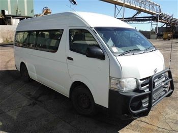 2014 Toyota Hiace Commuter Manual - 5 Speed Bus