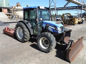 New Holland TN75DA Tractor