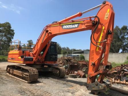 2016 Doosan DX300LC Hydraulic Excavator